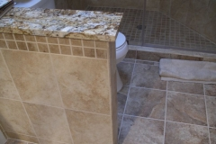 ThomasCustomBuildingCustomBathroomRemodel-kneewall
