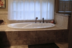 ThomasCustomBuildingCustomBathroomRemodel-tub2