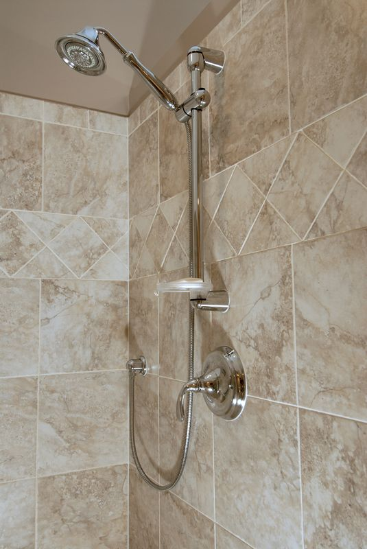 ThomasCustomBuildingCustomBathroomRemodel-fixtures-1
