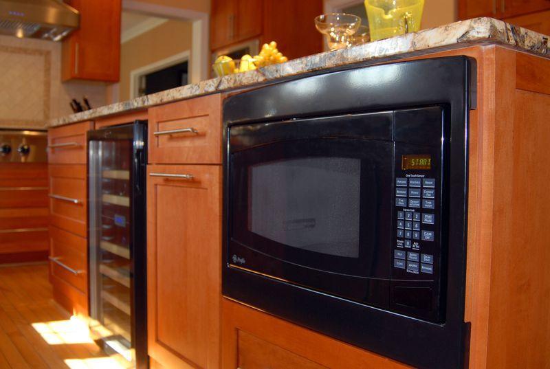 kitchen-microwave-under-island