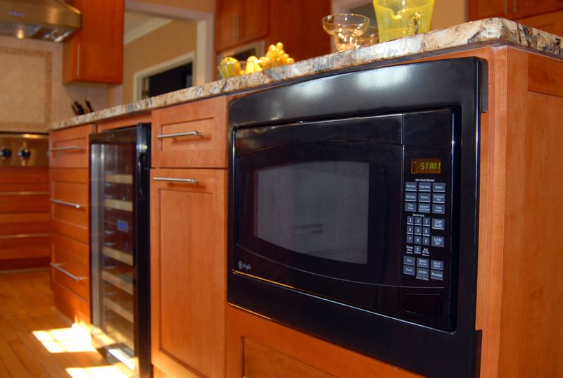 kitchen-microwave-under-island